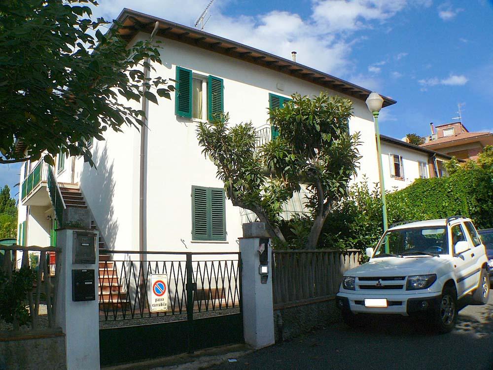 Castiglioncello, curato e spazioso