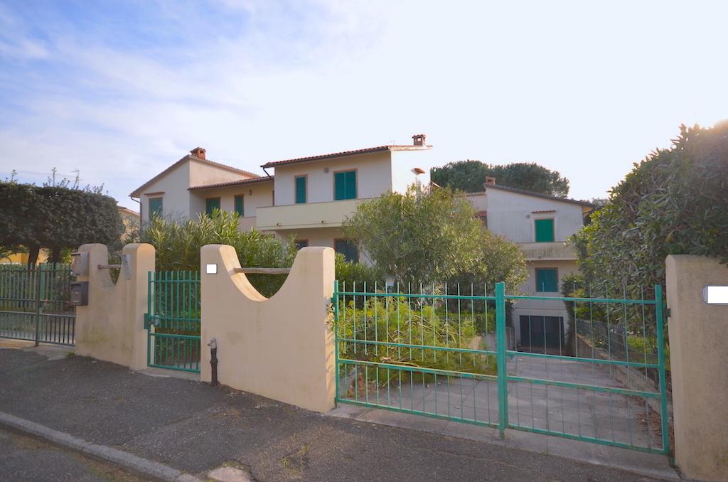 Castiglioncello 500 m dal mare, giardino e garage