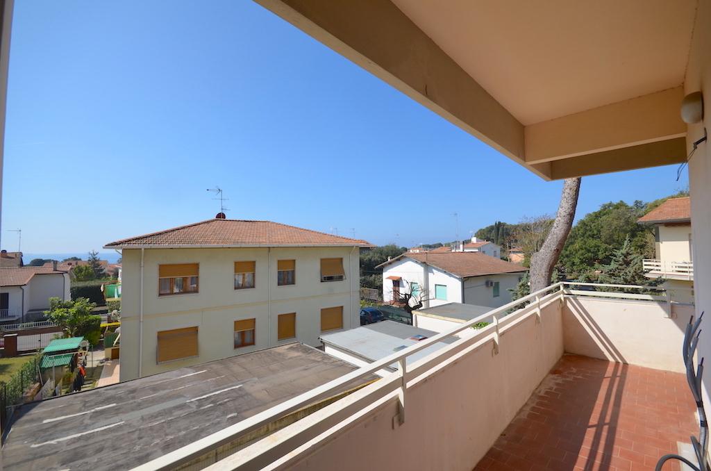 Castiglioncello, ristrutturato, grande terrazza lato mare